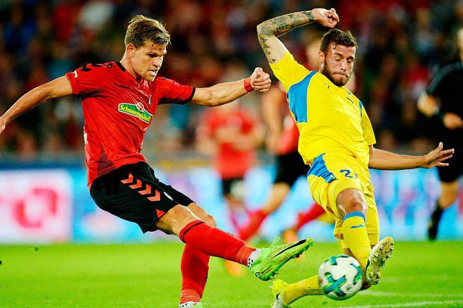 Der SC Freiburg gelingt der Saisonauftakt: Gegen den slowenischen Kontrahenten NK Domzale konnten sich die Freiburger mit 1:0  durchsetzen. (Foto: dpa)