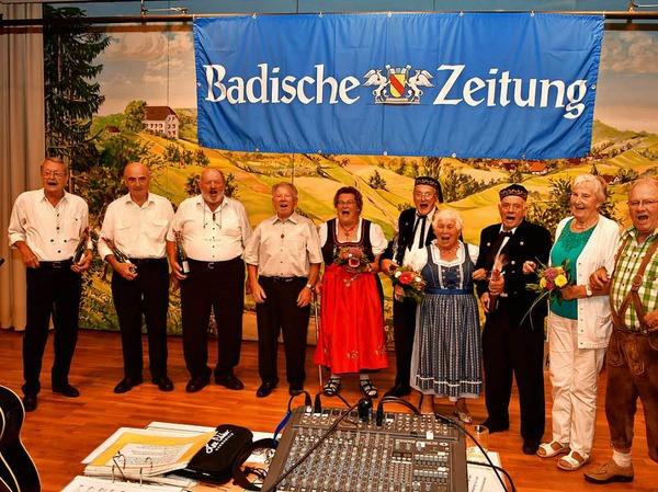 450 Gäste erlebten einen furiosen Auftakt der BZ Ferienaktion der Redaktion Emmendingen. Beim Volksliedersingen im Kurhaus Freiamt fand diese Veranstaltung zum 20. Mal statt.