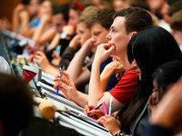 Politisches Mandat: Studenten sind sauer auf Ministerin