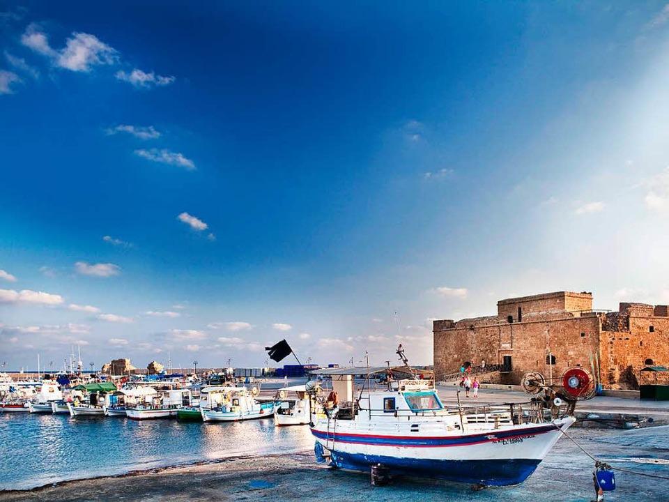Maritime Romantik  – ein kleiner... in der zyprischen Küstenstadt Paphos   | Foto: dpa