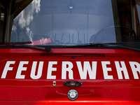 Drei Wohnmobile brennen in Freiburg komplett aus