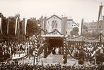 Fotos: Der Platz der Alten Synagoge war immer ein Ort für Demos, Feste und Gedenken