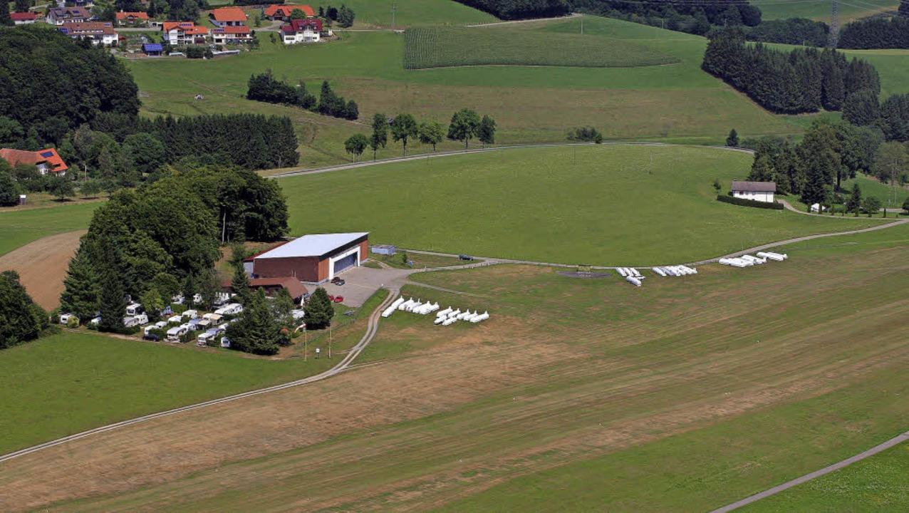 Vom Hüttener Flugplatz könnte jetzt au...emeinschaft Hotzenwald jetzt erhalten.  | Foto: Erich Meyer