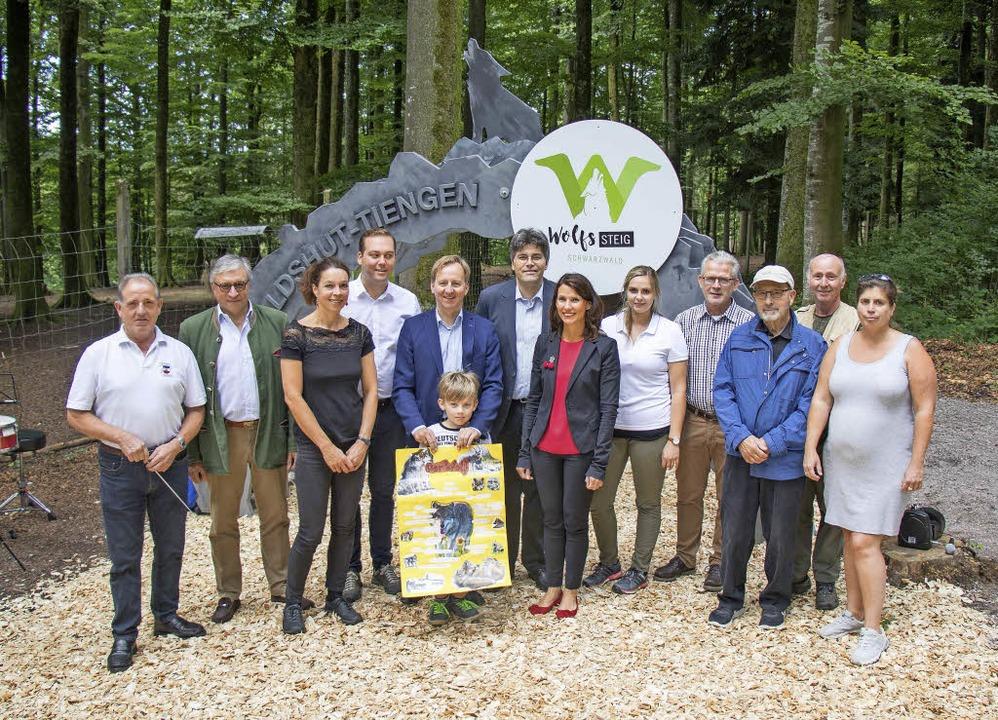 Am Eingangsportal im Waldshuter Wildge... jüngst der neue Wolfssteig eröffnet.   | Foto: Peter Rosa