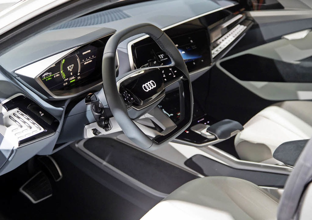 Alles, nur kein Leder:  In der Studie ...rimentiert Audi nun mit Bambusfasern.   | Foto: Daniel Wollstein/Audi AG/dpa