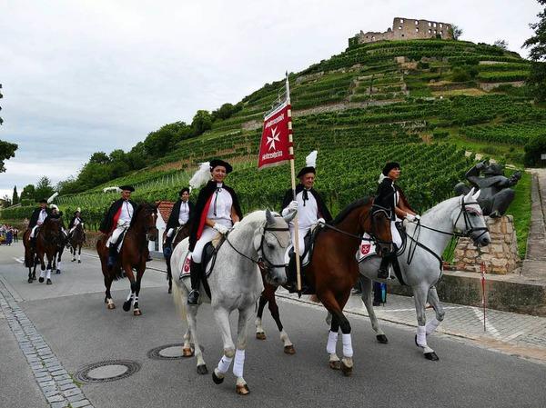 Die Traditions-Reitertruppe aus der Malteserstadt Heitersheim führt traditionell den Festumzug an.