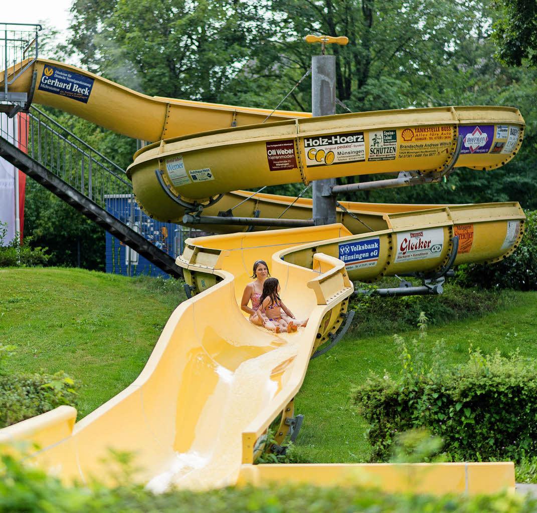 Stadt Münsingen verkauft Wasserrutsche aus dem Freibad bei eBay