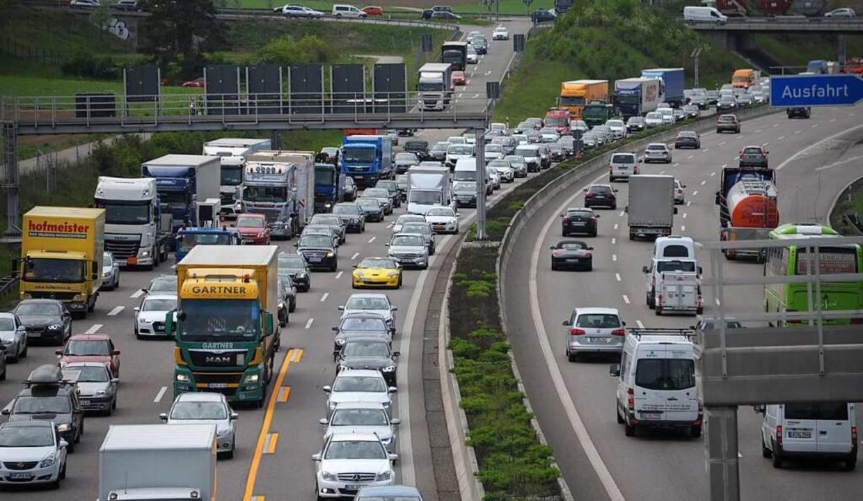 Sommerferien in Baden-Württemberg: Auf den Autobahnen ist mit Staus zu rechnen.    Foto: dpa