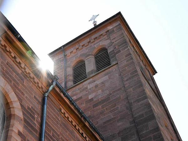 Die katholische Josefskirche wurde erst vor etwas mehr als 100 Jahren errichtet. Das Besondere: Sie wurde zuvor in Emmendingen abgebaut und Stein für Stein nach Denzlingen versetzt.
