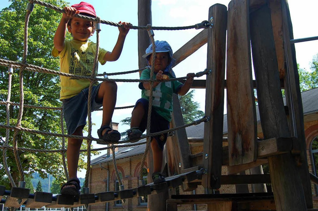 Klettergerüst Hängebrücke : Wir haben den spielplatz an der eichrodtschule getestet lahr