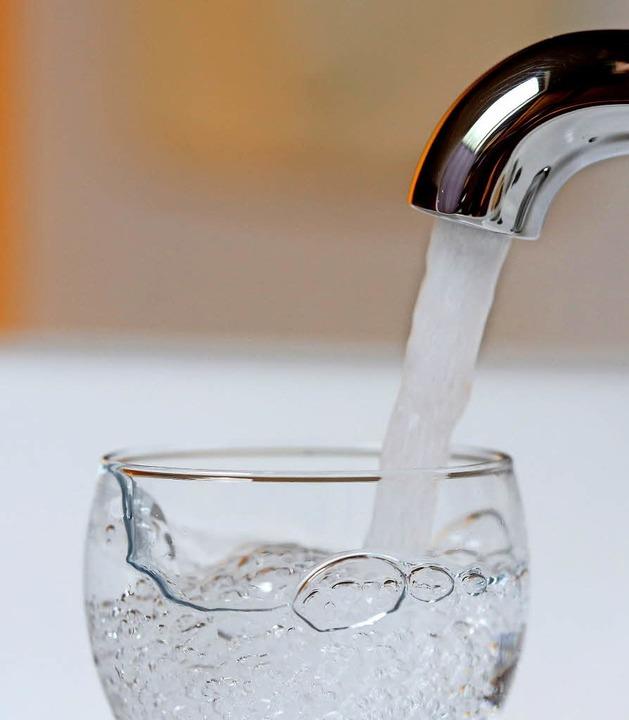 Ein ziemlich kostbares Gut: Trinkwasser  | Foto: DPA