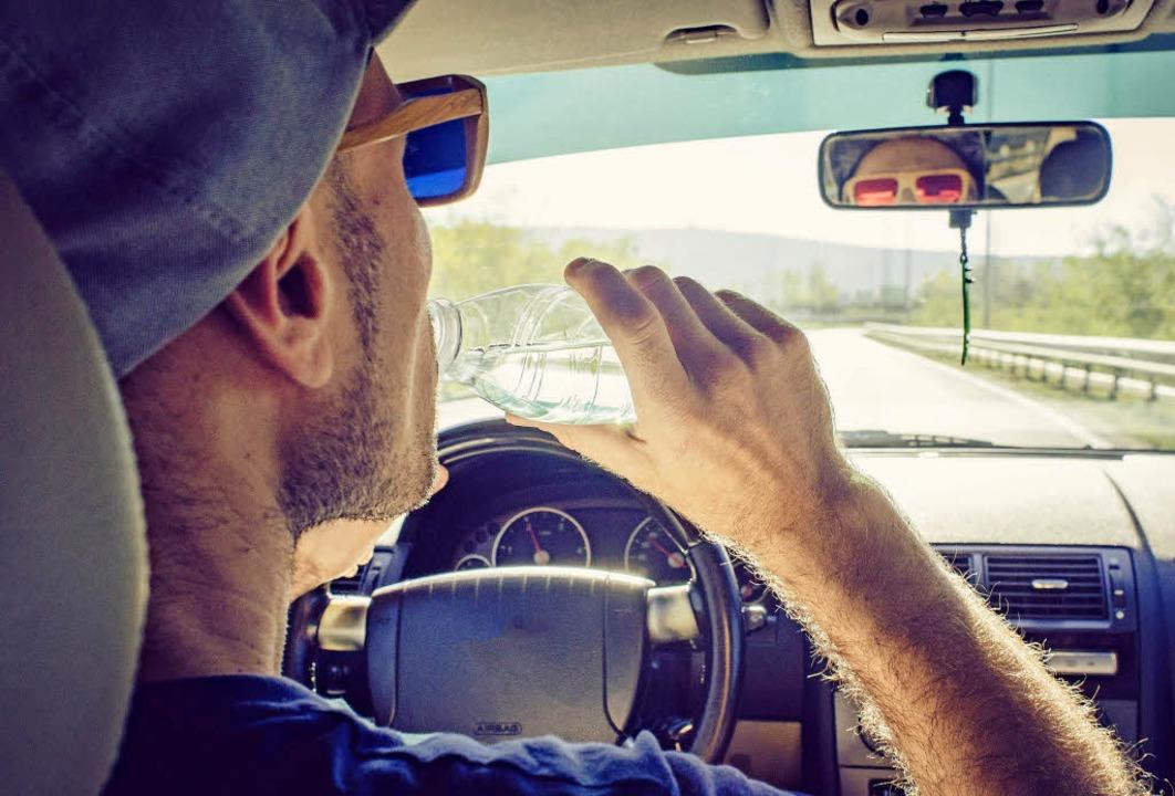 Bei Autofahrten an heißen Tagen ist es...orhanden, nicht zu kühl einzustellen.   | Foto: Alena Paulus/ACV