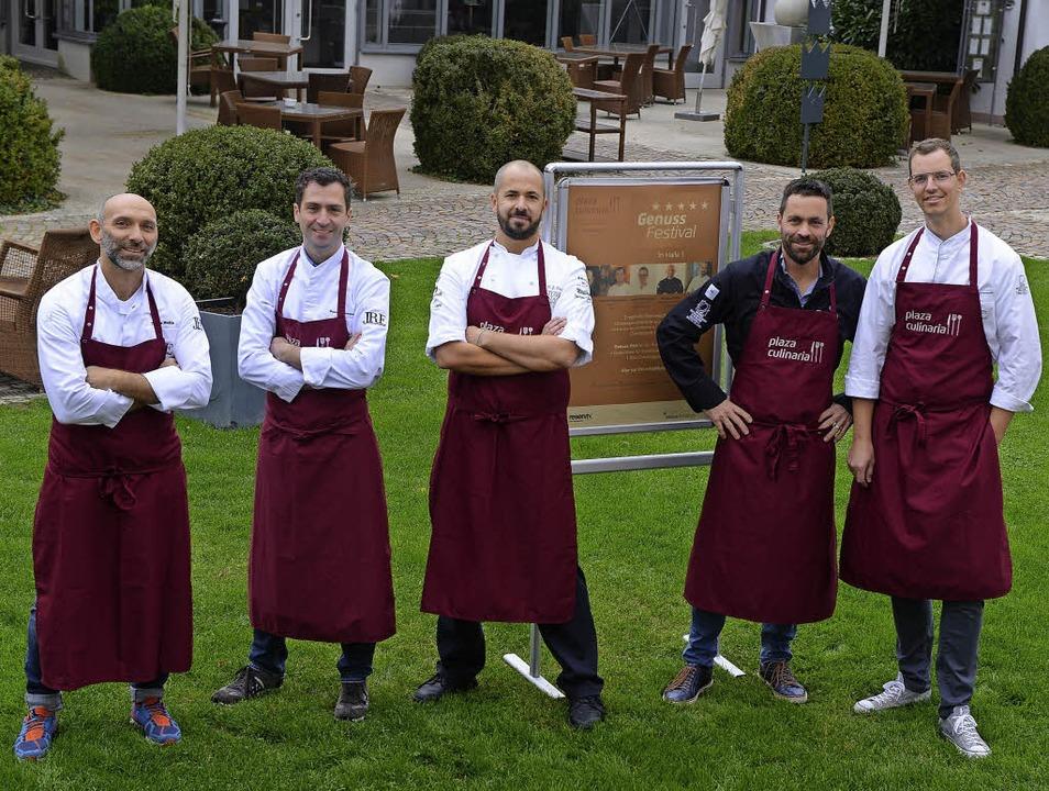 Kochen bei der Plaza Culinaria für die...h und Jochen Helfesrieder (von links)   | Foto: Rita Eggstein
