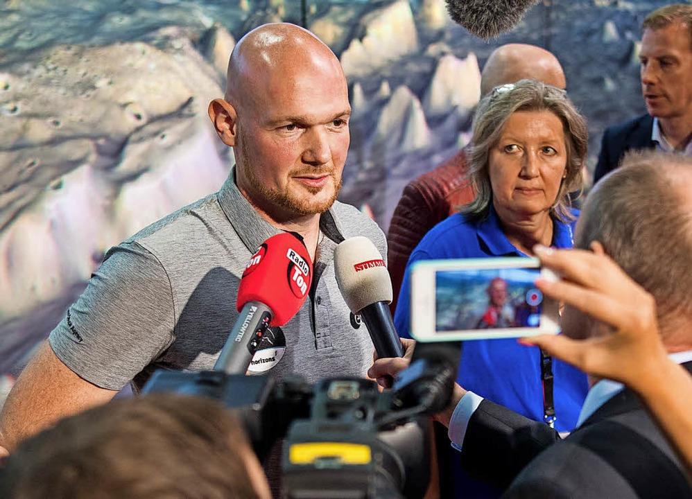 Gefragter Ansprechpartner: Alexander Gerst  in Künzelsau   | Foto: dpa