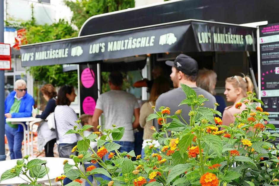 Die erste BZ Food Truck Meile in Bad Krozingen stieß auf eine riesige Resonanz. (Foto: Susanne Müller)