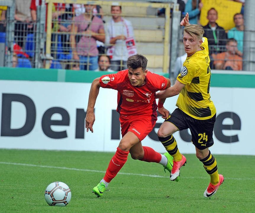 Im Duell gegen die Großen: Der 1. FC R...russia Dortmund vergeblich um ein Tor.  | Foto: Michael Heuberger