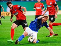 Schalke und Hertha mit Mühe weiter, St. Pauli draußen