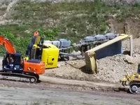 Lastwagen kippt bei Lörrach um – Fahrer schwer verletzt