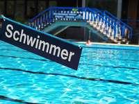 9 Uhr: Die Frühschwimmer im Freibad Neustadt starten in den Tag