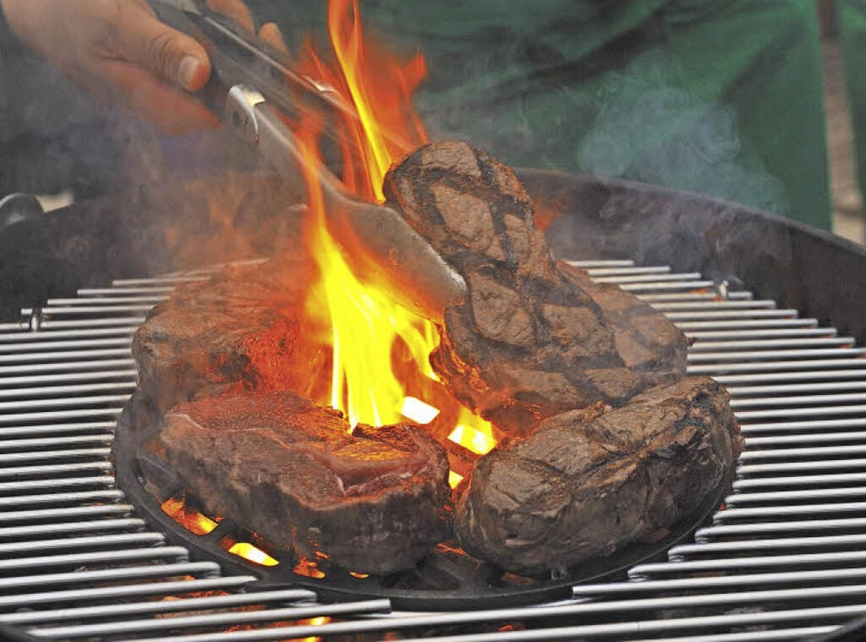 Gas Oder Holzkohlegrill Eine Glaubensfrage : Was man bei einem grillkurs lernen kann müllheim badische zeitung