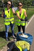 Schibbuckhexen sammeln Müll