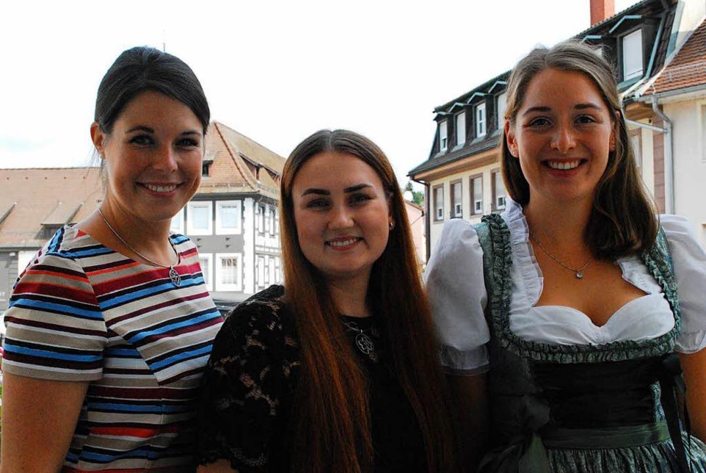 Weinhoheiten unter sich: Miriam Kalten... Bianka Herbstritt und Franziska Aart.    Foto: Sylvia-Karina Jahn