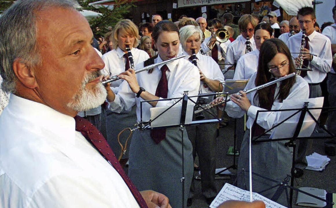 2005 gab Max Lehmann mit der Stadtmusik den Takt zur Eröffnung vor.  | Foto: Simon David