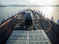 US-Zerstörer kollidiert mit Tanker – 10 Seeleute vermisst