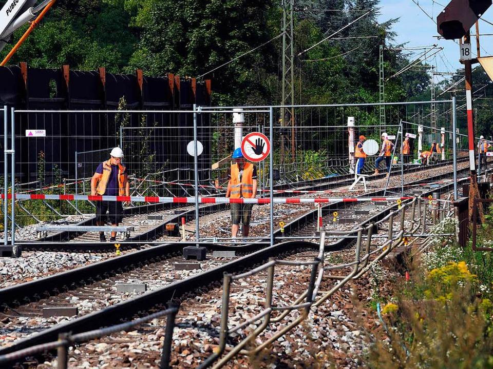 Arbeiten bei Rastatt-Niederbühl  | Foto: dpa
