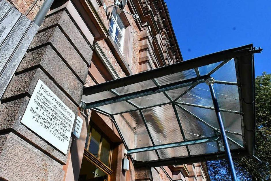 Jörg Uffelmann öffnete die Türen des ehemaligen Reichswaisenhauses am Altvater. (Foto: Wolfgang Künstle)