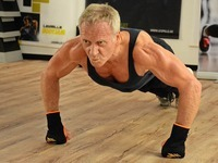 59-Jähriger aus Weil am Rhein knackt Liegestütz-Weltrekord