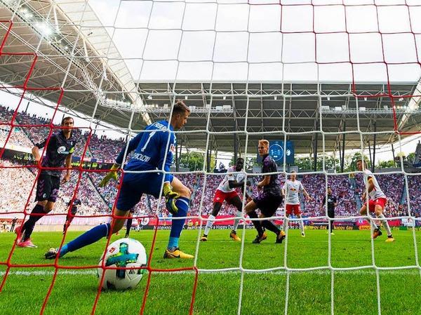 Freiburg zeigte lange Zeit eine kämpferisch gute Leistung, musste sich dem starken Druck der Hausherren jedoch am Ende deutlich beugen.
