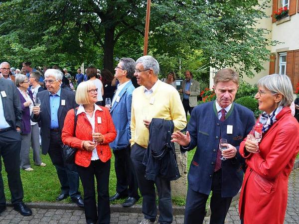 Vor der Eröffnung der Sonderausstellung im Dorfmuseum am Freitag: Auch Landrätin Dorothea Störr-Ritter und CDU-Bundestagsmitglied und -kandidat Matern von Marschall (von rechts) waren gekommen.