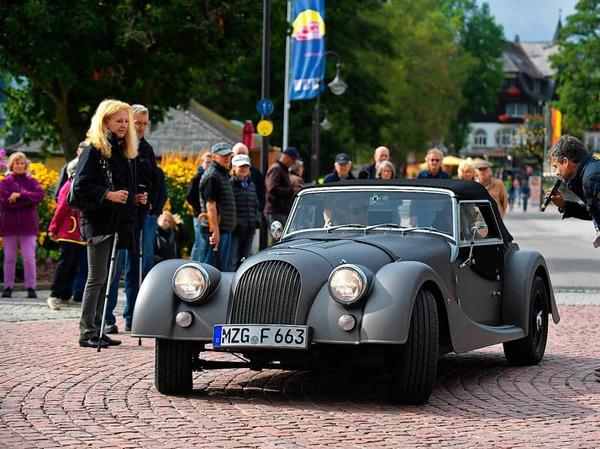 Schön anzusehen die Form und die Details der Morgan Sportwagen aus alter und neuer Zeit