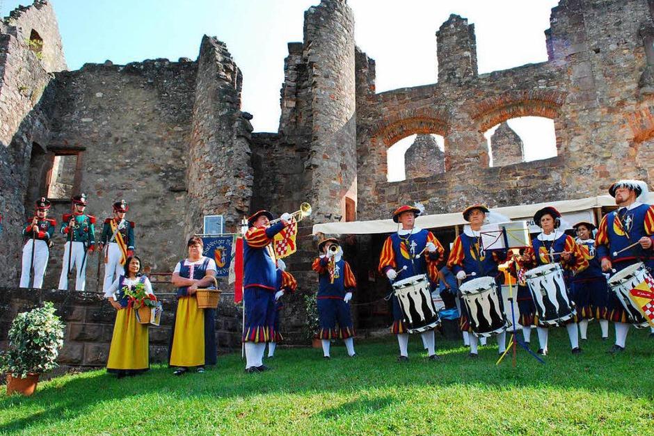 Fanfaren und Trommeln (Foto: Sylvia-Karina Jahn)