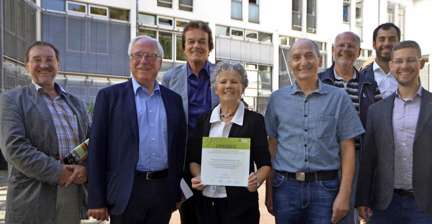 Freuen sich über die Auszeichnung: Wer...r Bündnis Bürgerenergie  (von links).   | Foto: Gerhard Walser