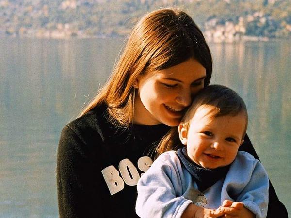 Portrait: Carmen Oertlin aus Wyhlen hat ihre Tochter und ihren Sohn auf der Fahrt von Mailand nach Hause vor dem Comer See mit einer Olympus fotografiert. Für sie ist es ein sehr emotionales Bild.