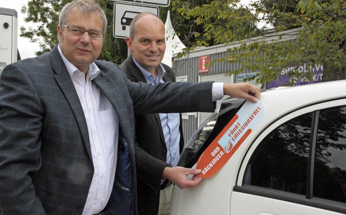 "Alexander Guhl (links) und Christian K...kingen fährt emissionsfrei"" an.   | Foto: Kerckhoff"