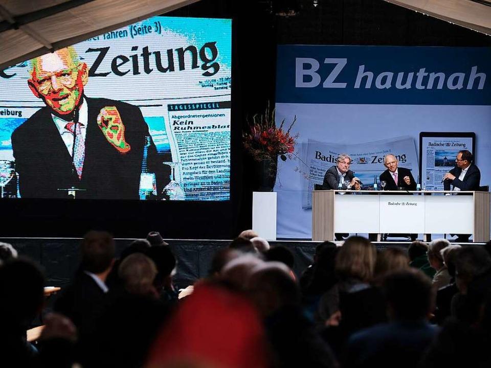 Während der Talkrunde mit Wolfgang Schäuble  | Foto: Miroslav Dakov