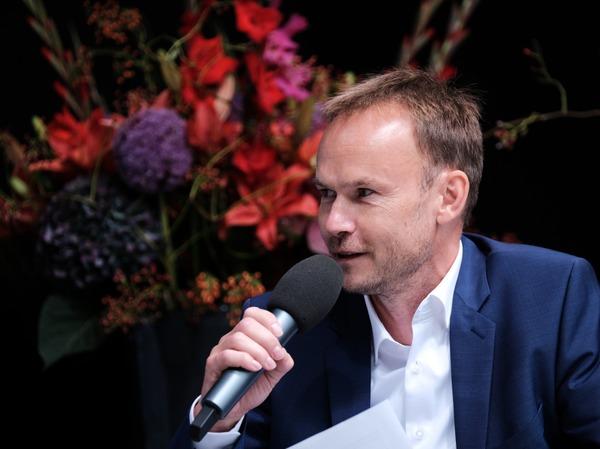 Dietmar Ostermann während des Talks mit Michael Theurer.