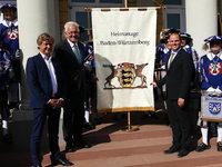 Fotos: Landesfestumzug in Karlsruhe mit Übergabe der Heimattagefahne an Waldkirch