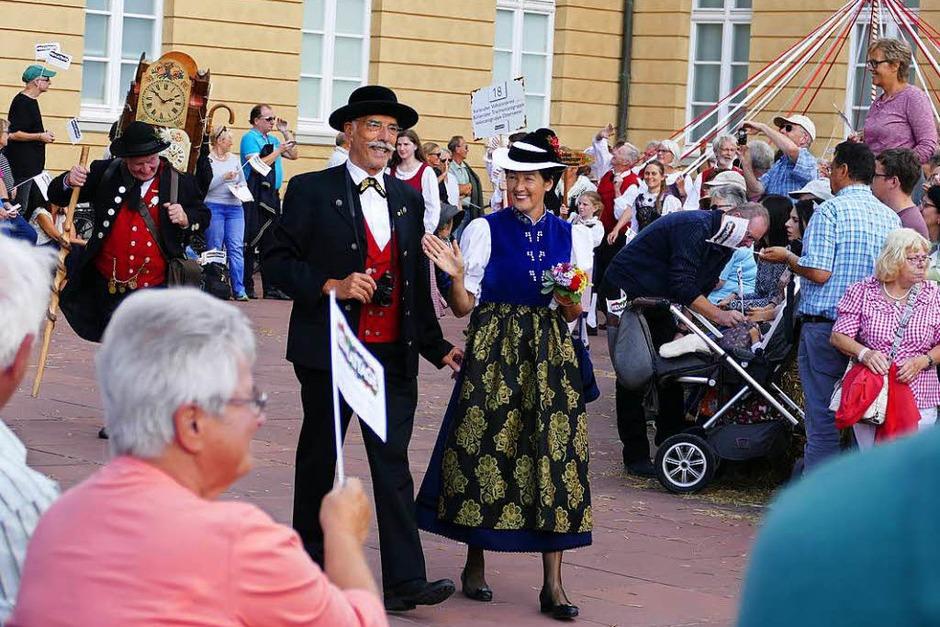 Trachtenträger des Brauchtumsvereins Simonswald beim Festumzug. (Foto: Sylvia Sredniawa)