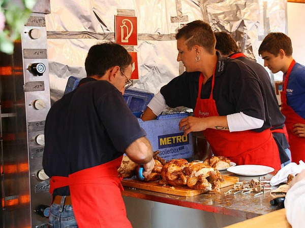 Alle Hände voll zu tun hatten die Küchenteams der teilnehmenden Vereine.