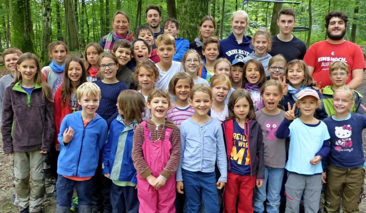 Zum Abschlusspicknick der Ferienbetreu...ie Eltern mit in den Wald eingeladen.   | Foto: Claudia bachmann-Goronzy