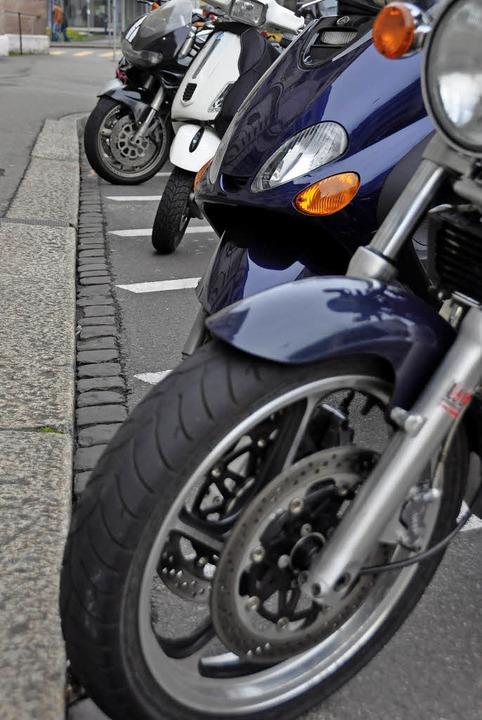Motorradparkplätze in der Basler Innenstadt     Foto: Gramespacher