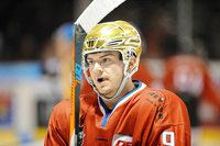 Niko Linsenmaier spielt kurze Zeit wieder für den EHC