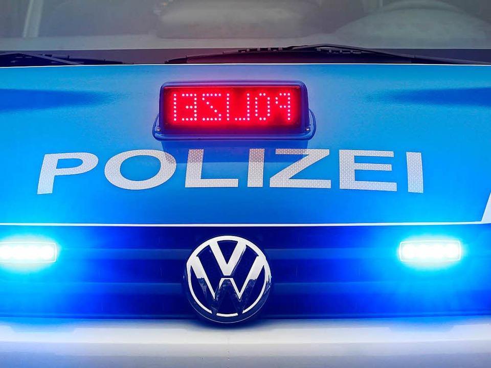 Die Polizei hat den Unfall aufgenommen.  | Foto: Roland Weihrauch
