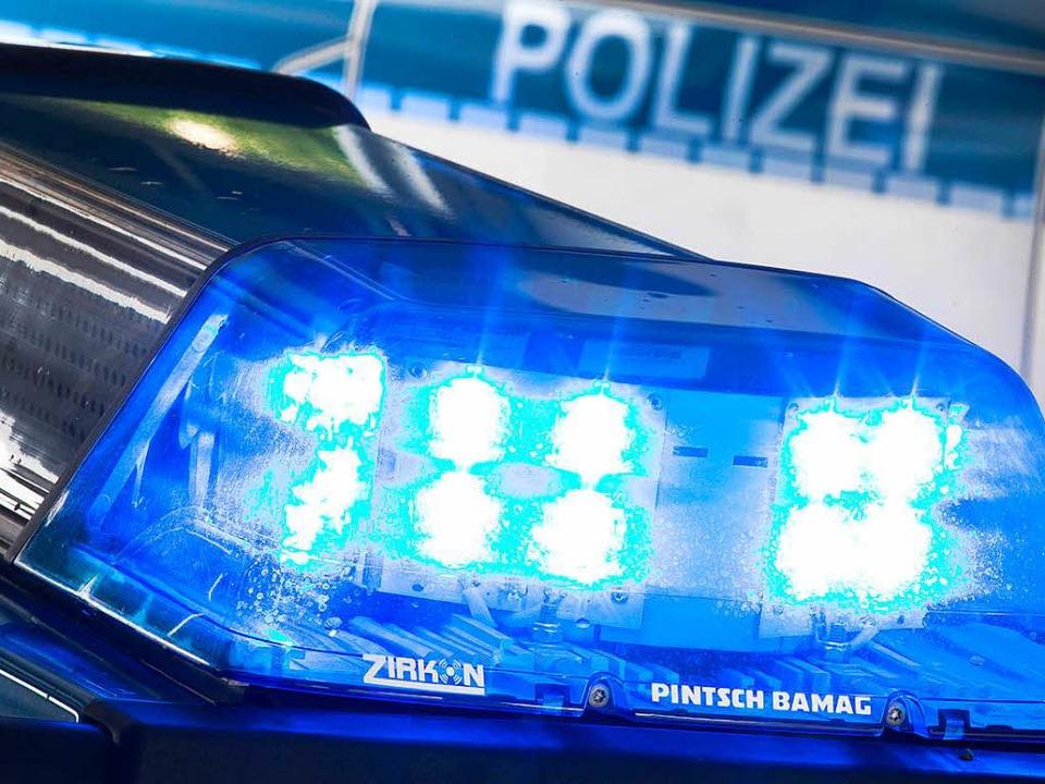 Wer den Unfall am Montag am Parkplatz ...er Polizei melden: Telefon: 0774183160    Foto: dpa