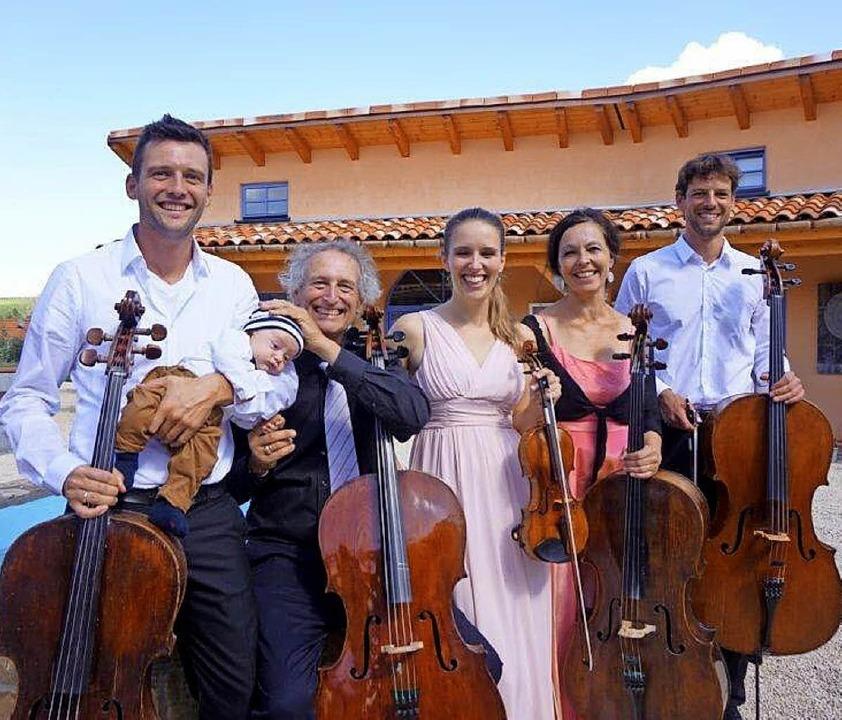 Die Familie Graf (von links): Emanuel ...ert Daniel, Elena, Barbara und Andreas    Foto: Anne Freyer