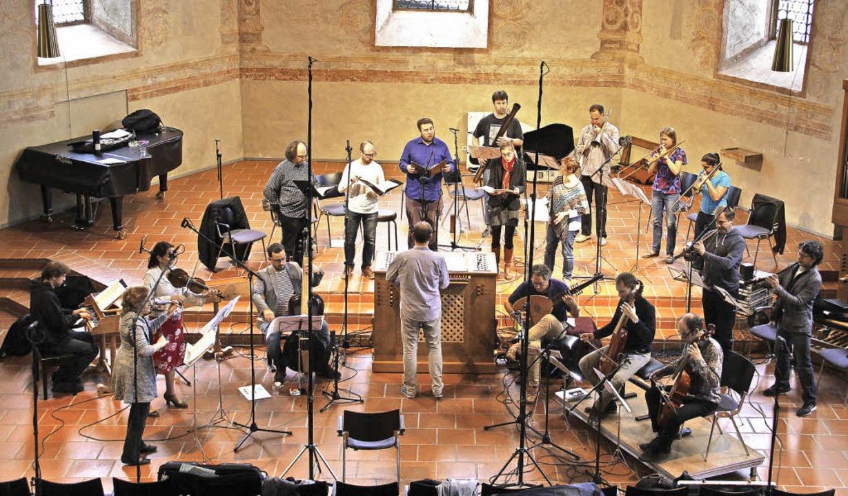 Der Kirchenraum ist gespickt mit Mikro...tlicher Musik aus dem 17. Jahrhundert.    Foto: A. Huber